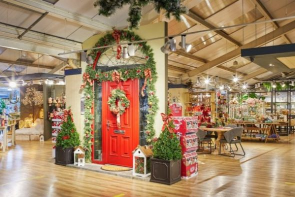 Christmas Door Decorating Ideas @ The Arboretum