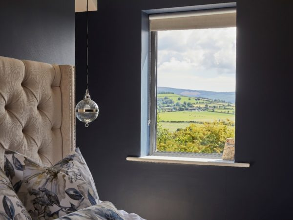 WINDOW DRESSING TIPS FOR ALL WINDOW STYLES